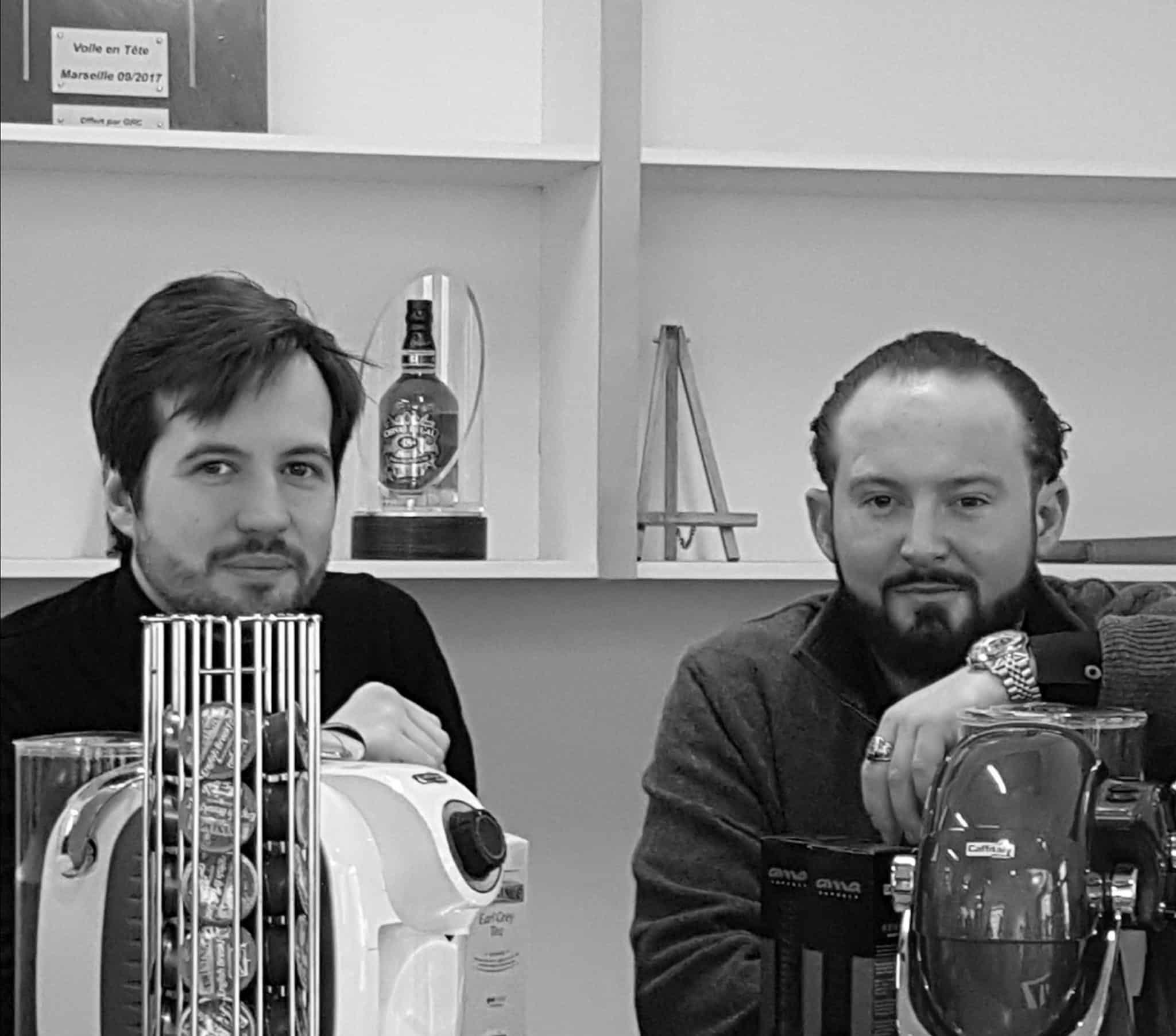 NOS MARSEILLAIS  PIERRE ALEXANDRE SARDA ET CLEMENT RIVALIN QUI BOUSCULENT LE MARCHE DE LA CAPSULE DE CAFE